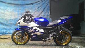 Yamaha-R15-pake-velg-axio-3-45-inchi
