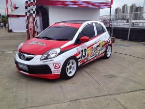 modifikasi mobil honda brio racing