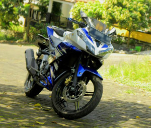 yamaha-r15-modif-headlamp-3