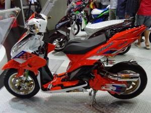 Modifikasi Ekstrim Honda Vario CBS Techno