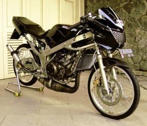 Modifikasi Kawasaki Ninja R 150 Hitam