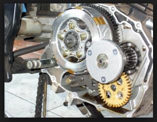 cara-mudah-memperbaiki-kopling-slip-di-sepeda-motor